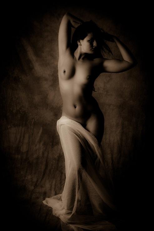 nude-1208680_1920.jpg