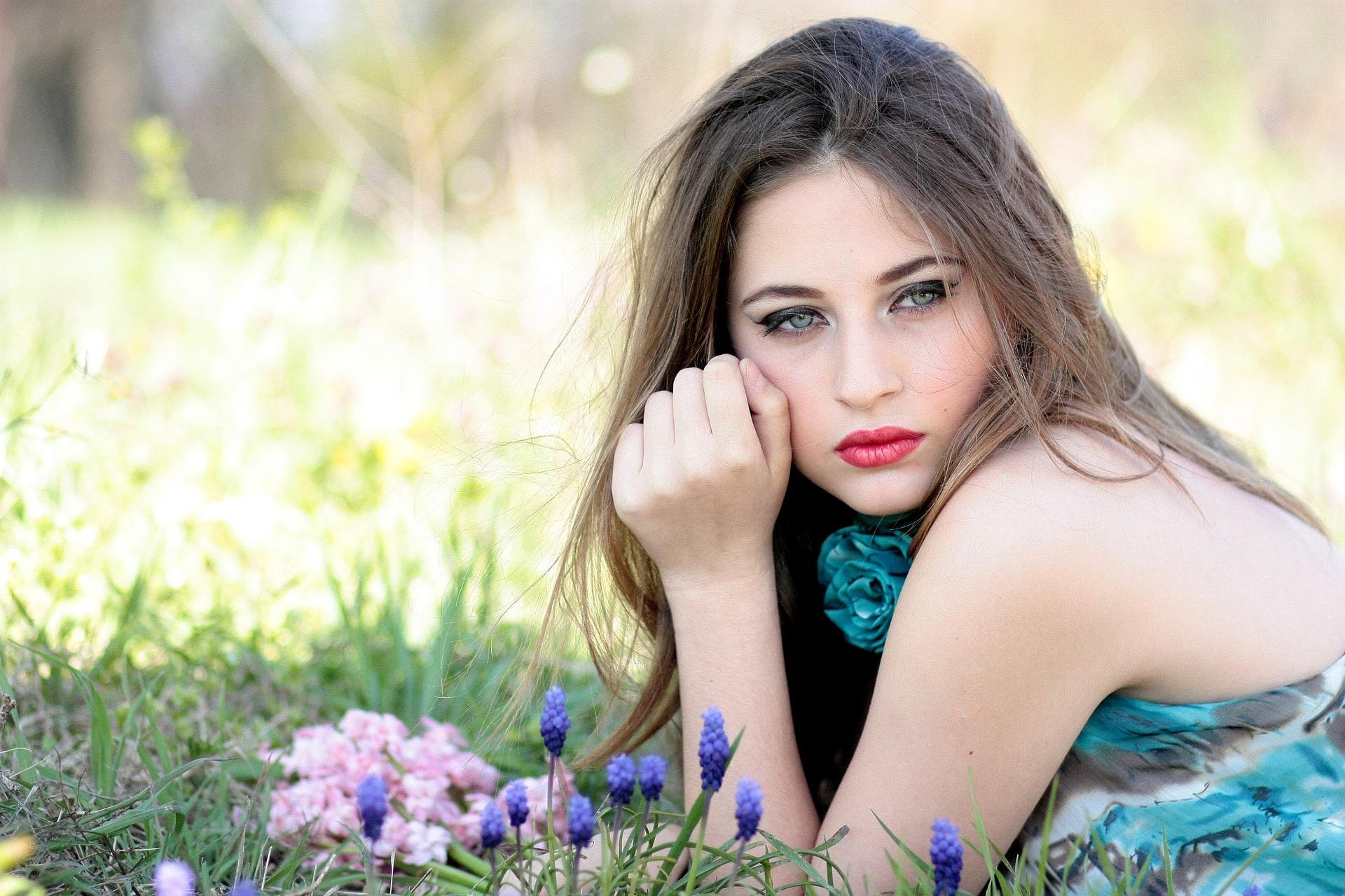 girl-1532733_1920.jpg